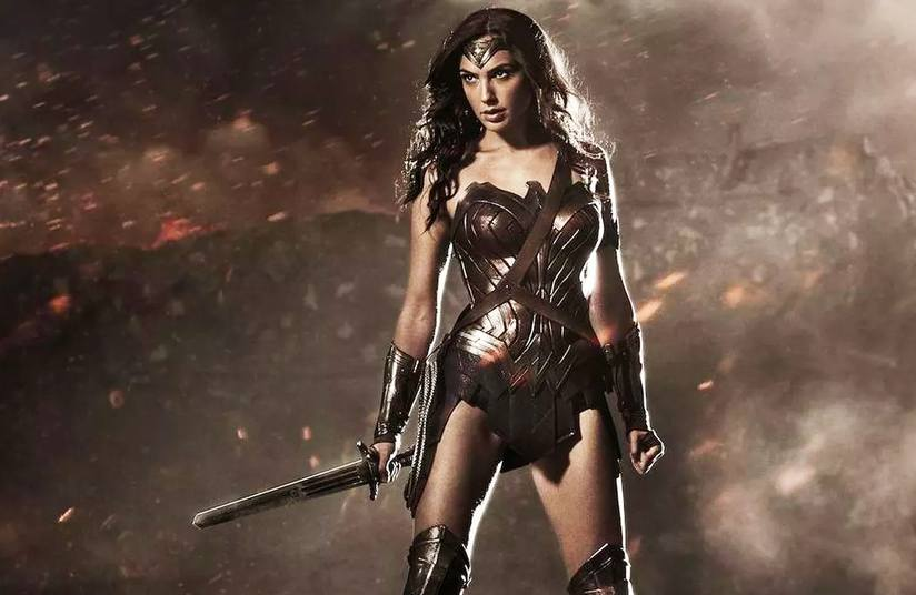 Wonder Woman Costume history and her Weapons